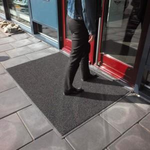 Spagetti grå utendørs -foto